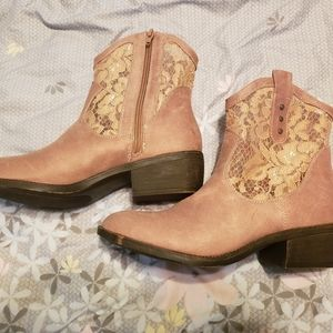 Size 9 Pink Lace Cowgirl Booties